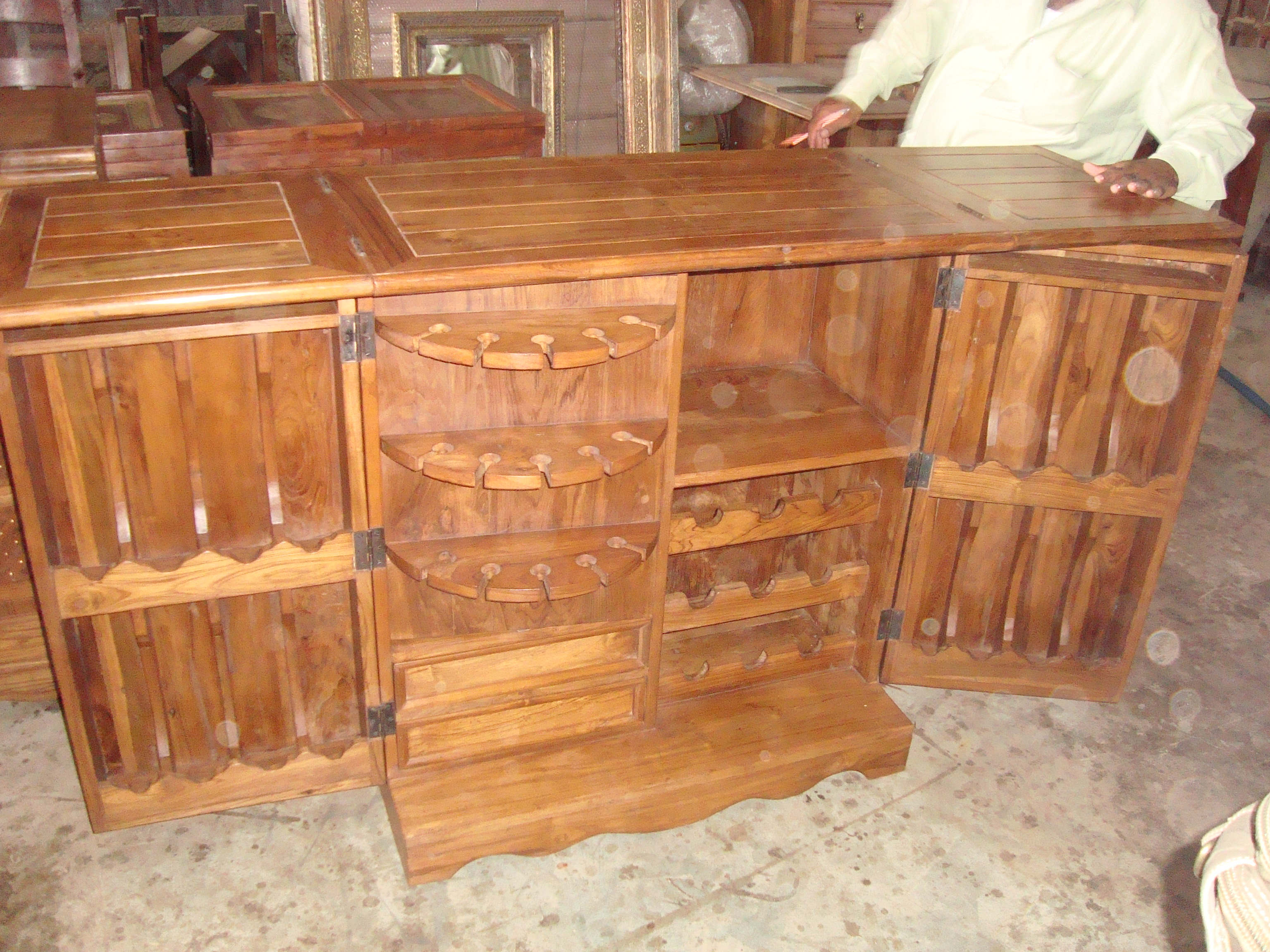 Wooden wine cabinet wooden bar unit wooden wine racks for Wooden bar unit